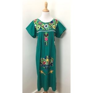 Vintage 70s Floral Embroidered Dress